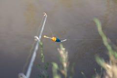 Vlotter voor visserij op de rivier royalty-vrije stock foto's