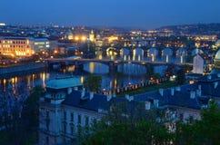 Vltava στο φωτισμό νύχτας Στοκ εικόνα με δικαίωμα ελεύθερης χρήσης