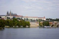 vltava перемещения реки prague фото европы замока старое стоковые фото