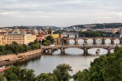 Vltava e pontes em Praga Fotografia de Stock Royalty Free