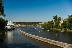 Vltava flod i Prague Praha Arkivbilder