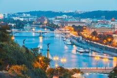 Vltava flod och broar i Prague Arkivbild