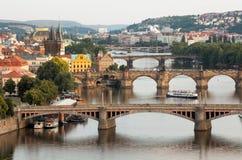 Vltava och broar i Prague Royaltyfria Foton