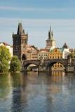 Vltava rzeka i Charles most, Praga Zdjęcie Stock