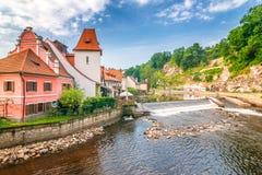 Vltava rzeka w średniowiecznym mieście Cesky Krumlov, republika czech fotografia royalty free