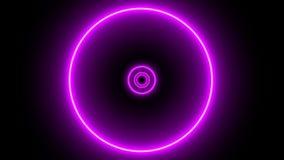 Vlucht door een futuristische tunnel met roze neonlichtcirkels stock footage