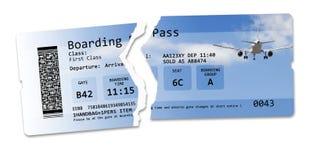 Vlucht geannuleerd conceptenbeeld met gescheurd vluchtkaartje - het beeld wordt totaal uitgevonden en bevat niet onder auteursrec royalty-vrije stock foto's