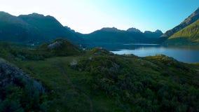 Vlucht over de fjord stock videobeelden