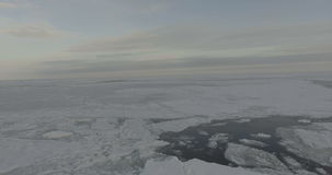 Vlucht over de Noordpooloceaan stock videobeelden