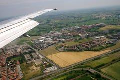 Vlucht over land royalty-vrije stock afbeelding