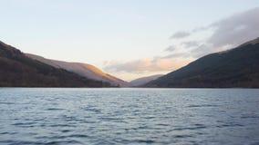 Vlucht over Loch Voil bij Loch Lomond & het Nationale Park van Trossachs in Schotland