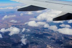 Vlucht over Wolken en Canions Royalty-vrije Stock Fotografie