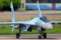 Vlucht van de Sukhoi su-35S de perfoming test in Zhukovsky, het gebied van Moskou, Rusland Stock Afbeelding