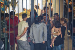 Vluchtelingen bij Keleti-station in Boedapest Stock Afbeelding