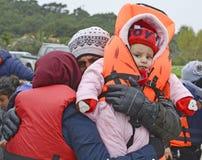 Vluchtelingen die in Lesvos aankomen stock afbeelding