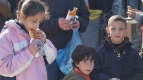 Vluchtelingen in het kamp stock afbeeldingen