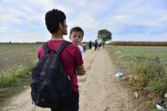 Vluchtelingen in Sid (de grens van Serviër - Croatina-) Royalty-vrije Stock Afbeeldingen