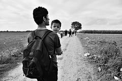 Vluchtelingen in Sid (de grens van Serviër - Croatina-) stock fotografie