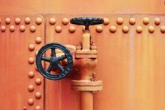Válvula vieja de la llave de paso Imagen de archivo libre de regalías