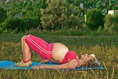 Övning för gravid Arkivfoton