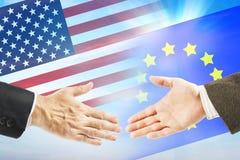 Vänskapsförbindelser mellan USA och europeisk union Royaltyfri Foto