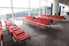 Väntande område i flygplatsporten Royaltyfri Fotografi