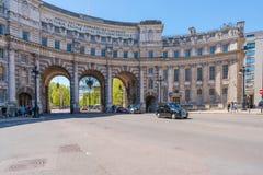 Voûte d'Amirauté dans Trafalgar Square, Londres R-U photographie stock libre de droits