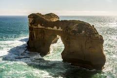 Voûte de Londres près de grande route d'océan, Campbell National Park gauche, Australie image libre de droits