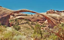 Voûte de paysage au parc national de voûtes en Utah Photos stock
