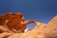 Voûte rouge de roche photos stock
