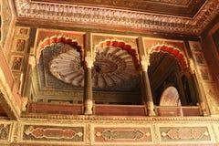 Voûtes décorées au palais d'été de Sultan Tipu photos stock