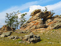 Voûte dans la roche près du lac Baïkal Images libres de droits