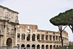 Vo?te de Constantine La vo?te est situ?e pr?s du Colosseum et est con?ue pour comm?morer la victoire de Constantine contre photos stock