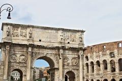 Vo?te de Constantine La vo?te est situ?e pr?s du Colosseum et est con?ue pour comm?morer la victoire de Constantine contre photographie stock libre de droits