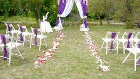 Voûte de mariage, décor, cérémonie, fleurs banque de vidéos
