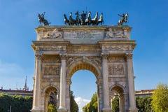Voûte de pas de della d'Arco de paix à Milan, Italie Image stock