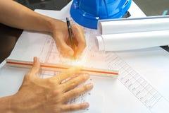 Voûte de rédaction de croquis de projet de papier de modèle de diagramme d'ingénierie Photos libres de droits