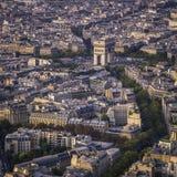 Voûte de vue aérienne de coucher du soleil de Triumph à Paris photo stock