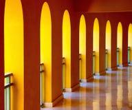 Voûtes à l'hôtel Taba de plage de brin Photographie stock libre de droits