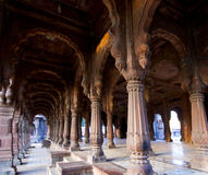 Voûtes d'architecture royale dans Indore Images libres de droits