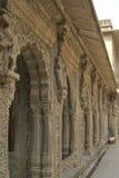 Voûtes de Deocrated sur Maheshwar Ghat Photographie stock