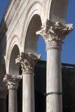 Voûtes sur le péristyle dans le palais de Diocletian Photos libres de droits