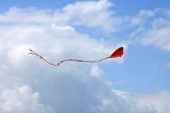 Voando um papagaio fotografia de stock