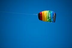 Voando um papagaio Imagem de Stock