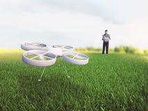 Voando um quadcopter imagem de stock royalty free