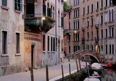 Você encontrará sobre 350 pontes em Veneza - Itália fotografia de stock royalty free