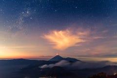 Vocalno de Bromo au lever de soleil, Java-Orientale, l'Indonésie Images libres de droits