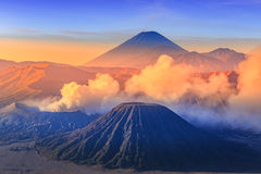 Vocalno de Bromo au lever de soleil, Java-Orientale, l'Indonésie Photographie stock