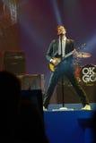 Vocals del cavo di Damian Kulash e giocatore di chitarra Fotografia Stock Libera da Diritti