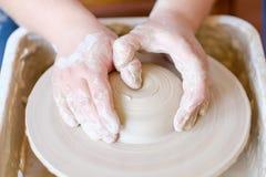 Vocazione artistica di hobby dell'artigiano delle terraglie creativa immagini stock libere da diritti